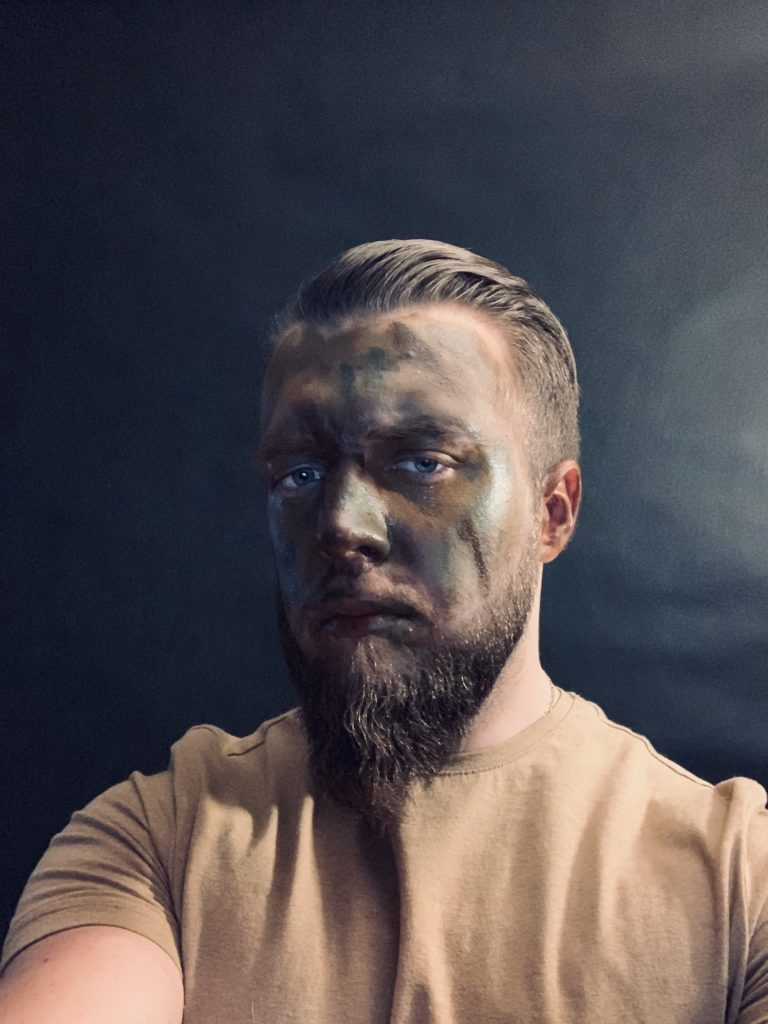 how to paint your face - military camo