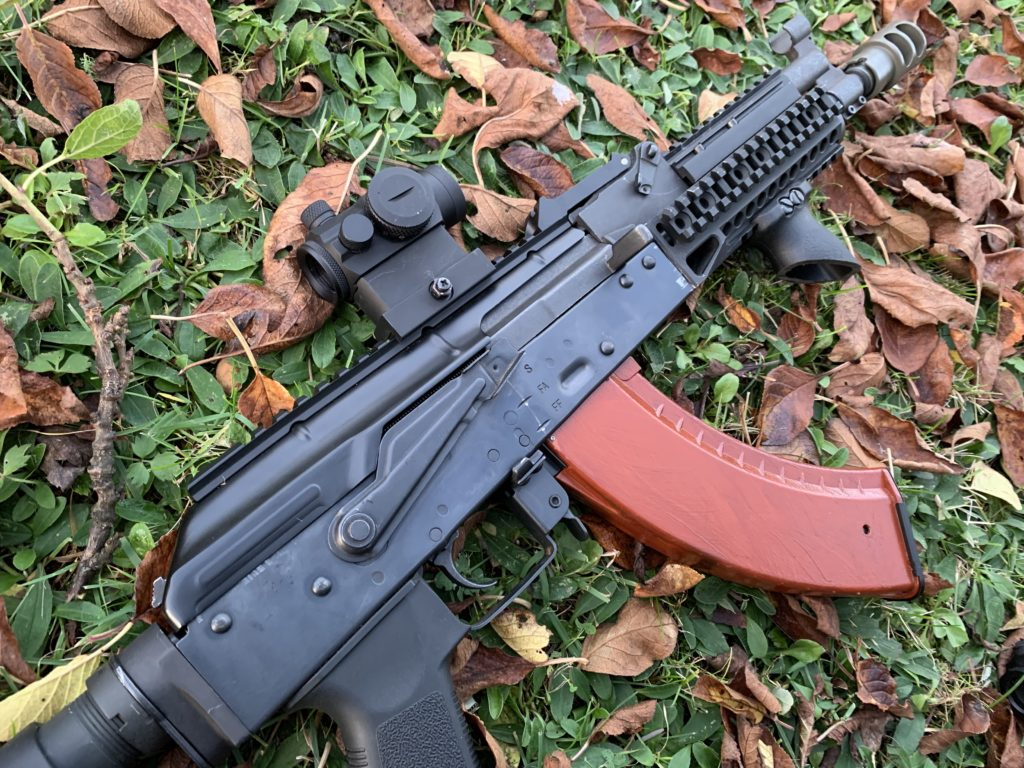 airsoft replica with an firearm sight